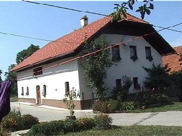 Hiša na Debencu Zgrajena 1868