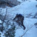 Andreju padajoči led ni prišel do živega