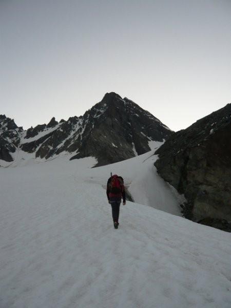 Pametnejši odneha in spustili smo se nazaj na ledenik.