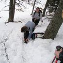 Ko se je debelina snežne oddeje povečala je bilo potrebno natakniti gamaše