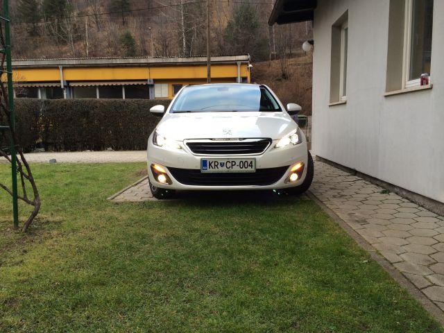 Peugeot 308 - foto
