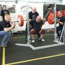 235 kg / lift 1