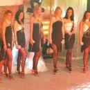 Večerne obleke  oblikovalka: SIMONA MIHELIČ styling: VLASTA CAH-ŽEROVNIK