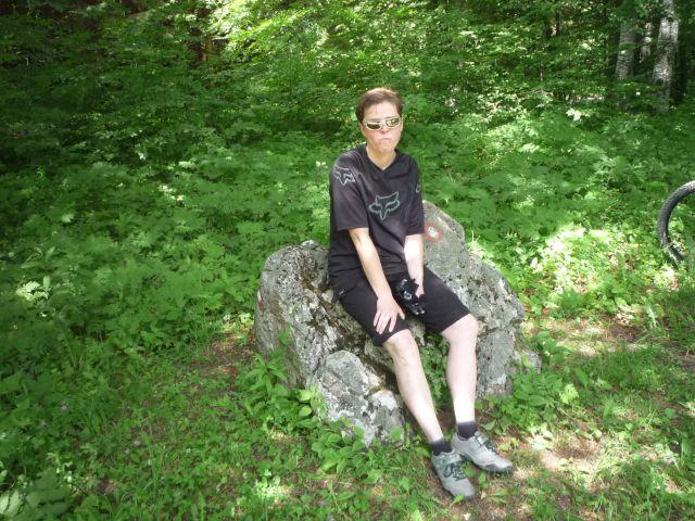Marjana sedi na