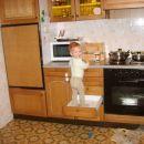 Le kako pridem na kuhinjski pult?!