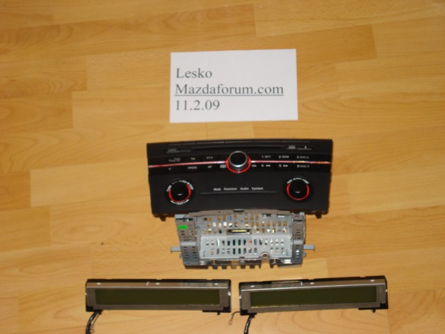 Mazda radio - foto