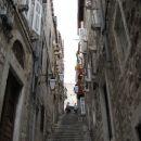 Še ena od  znamenitih uličic Dubrovnika