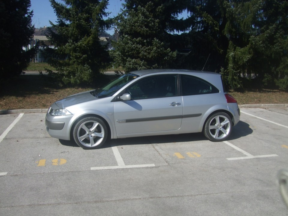 Megane II on 18'' - foto povečava