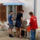 pomivanje posode - tudi dež ni ovira