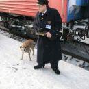 Nas provodnik ima rad pse - so na vseh postajah.