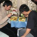 Po skoraj letu prava kitajska hrana. kaksno veselje:)