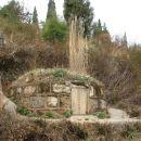 Na Kitajskem se nisem vidla hriba brez grobov na pobocju.